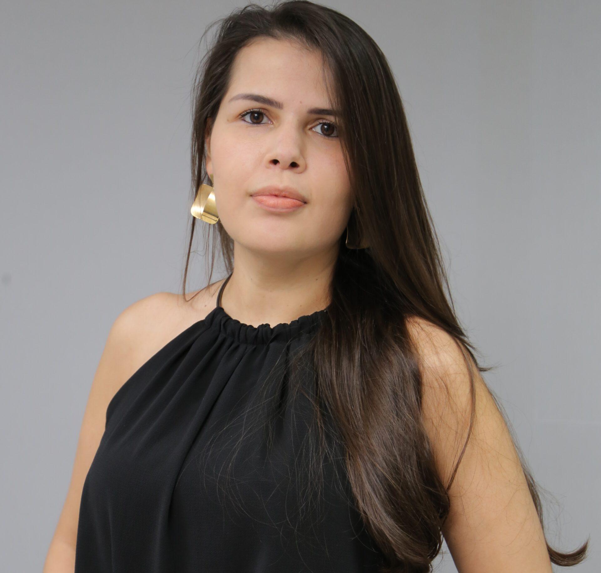 Nara Helissa de Abreu Silva Santos
