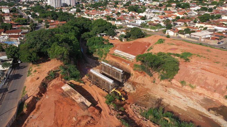 Trecho 3 da Marginal Cascavel será canalizado e pavimentado